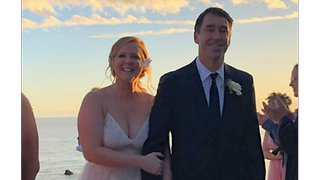 Amy Schumer's last minute wedding gown